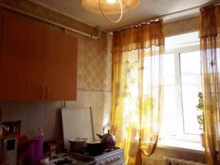 Продажа квартир: 2-комнатная квартира, Челябинск, ул. Комарова, 112, фото 1