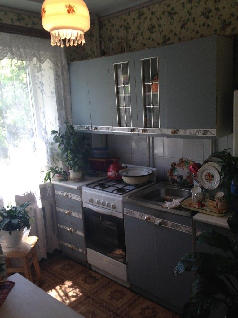 Продажа квартир: 1-комнатная квартира, Краснодарский край, Туапсе, ул. Фрунзе, 28, фото 1
