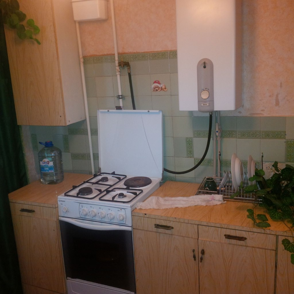 Продажа квартир: 1-комнатная квартира, республика Крым, Феодосия, пгт. Приморский, Южная ул., фото 1