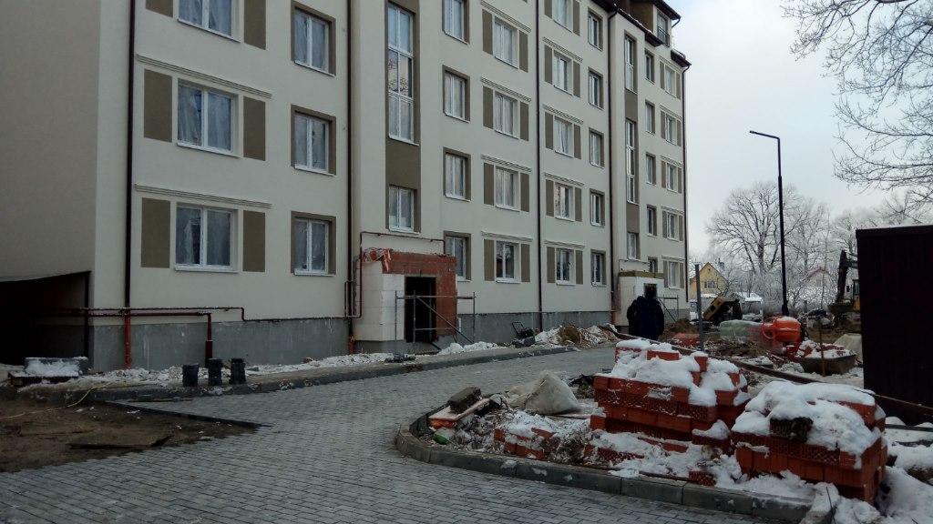 Продажа квартир: 3-комнатная квартира, Калининград, пгт. Чкаловск, ул. Докука, фото 1