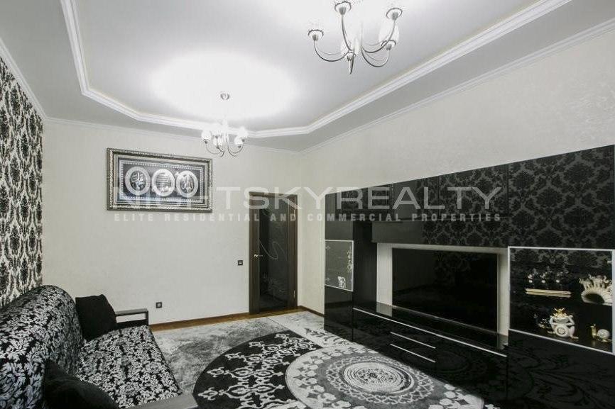 Аренда квартир: 3-комнатная квартира, Санкт-Петербург, Петергофское ш., 57, фото 1