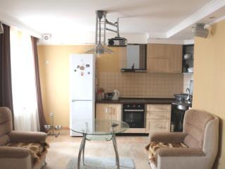 Продажа квартир: 3-комнатная квартира, Тюмень, ул. Прокопия Артамонова, 13, фото 1